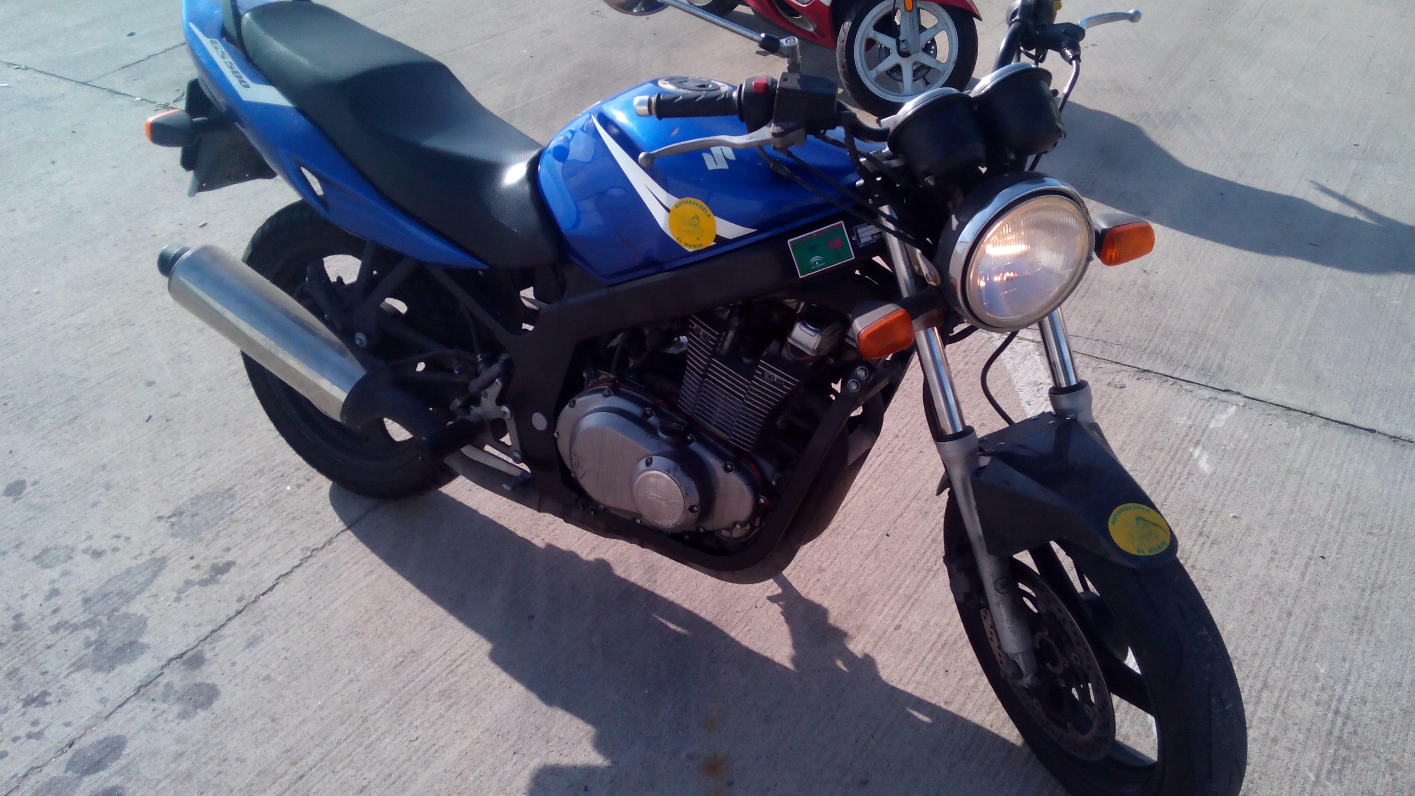 Motocicleta para el permiso de conducir A2